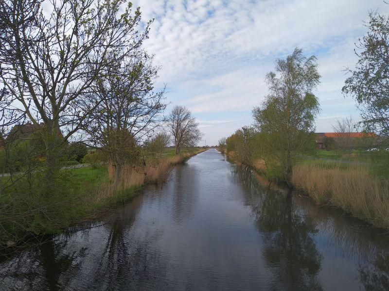 Wymeerer Sieltief - Blick von der Brücke Richtung Sielwerk