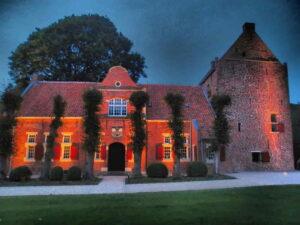 Steinhaus mit Beleuchtung